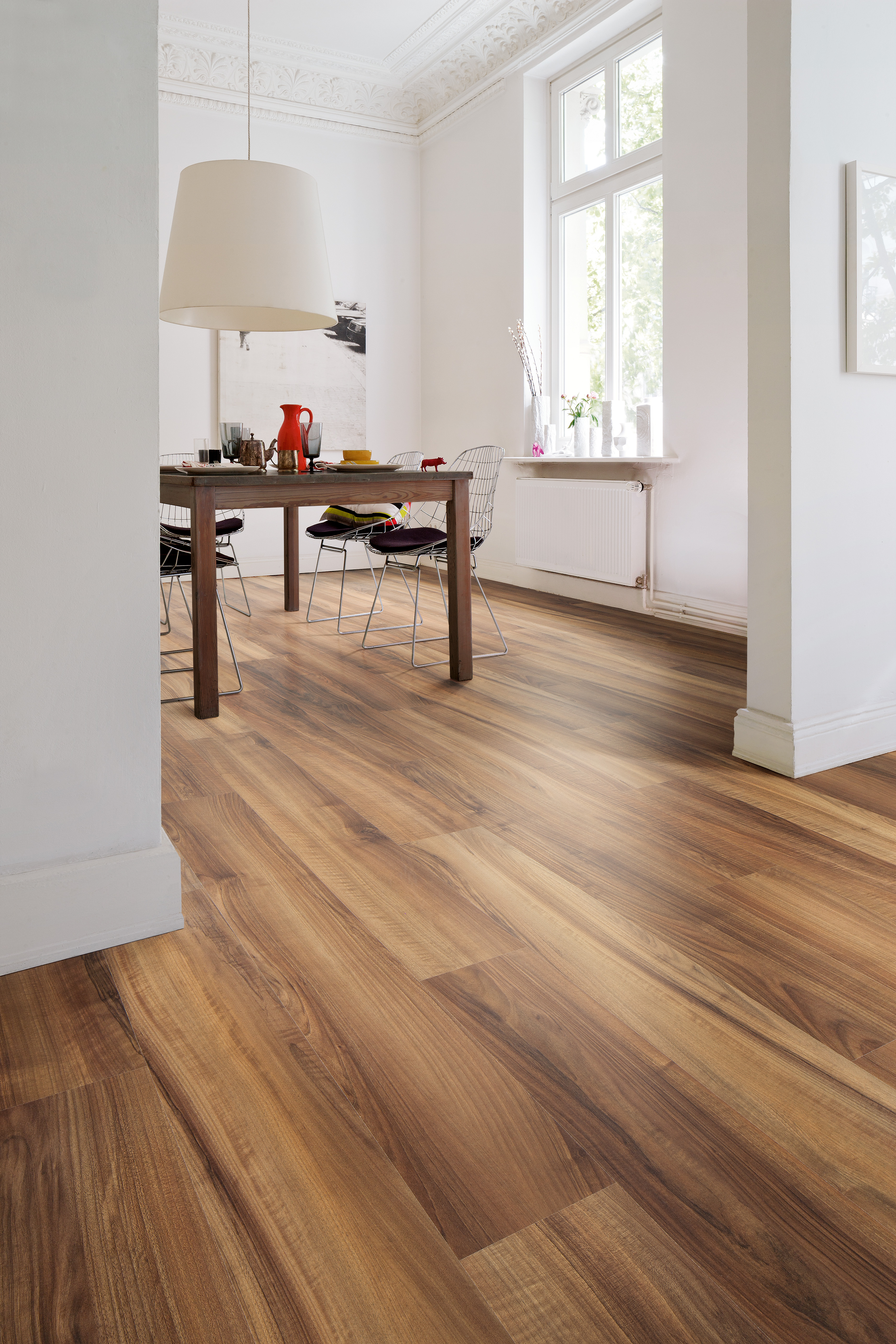 European laminate flooring displays a creative mix of for Laminate flooring displays